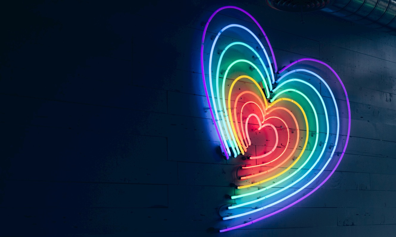 Neon heart light fitting